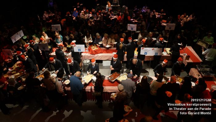 fDSC08267- Vincentius kerstproeverij in Theater aan de Parade - 17dec2015 - foto GerardMontE web