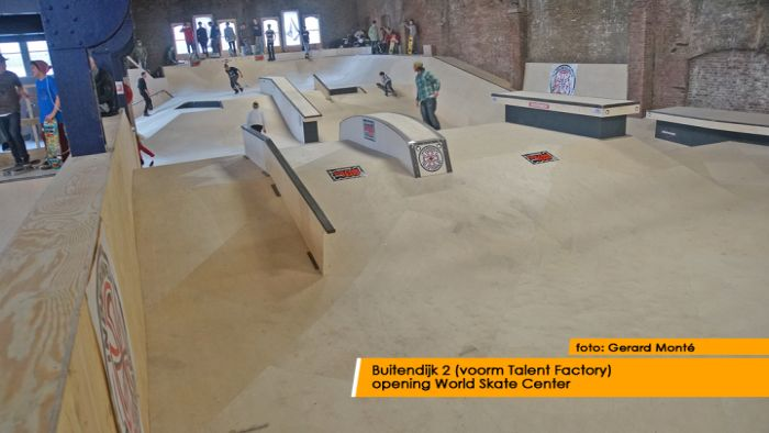 montE15289- World Skate Center