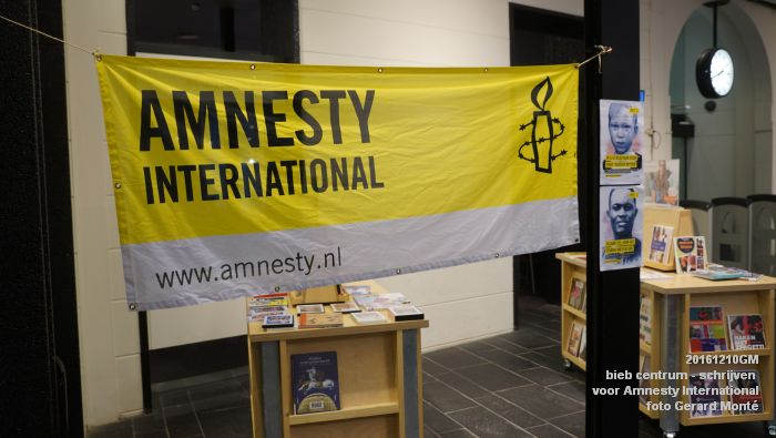 DSC01877- bieb centrum - Schrijven voor Amnesty International - 10december2016 - foto GerardMontE web