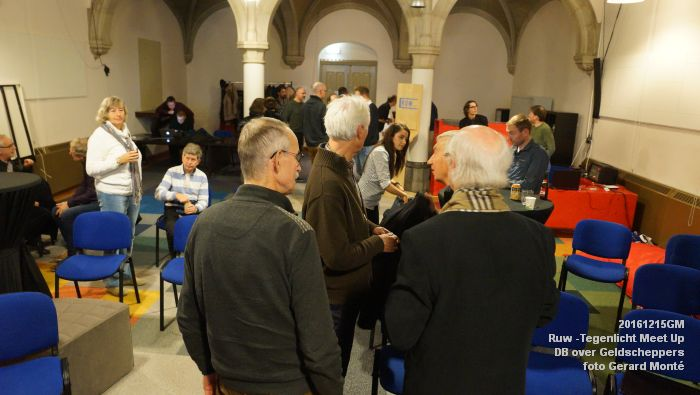 DSC02820- Ruw -Tegenlicht Meet Up Den Bosch over Geldscheppers - 15december2016 - foto GerardMontE web