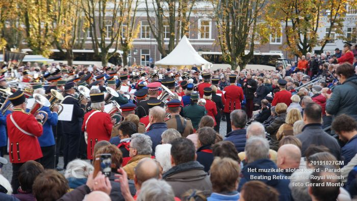 DSC02793- Het muzikale slotakkoord Parade - Beating Retreat ceremony The Royal Welsh - 27okt2019 - foto GerardMontE web