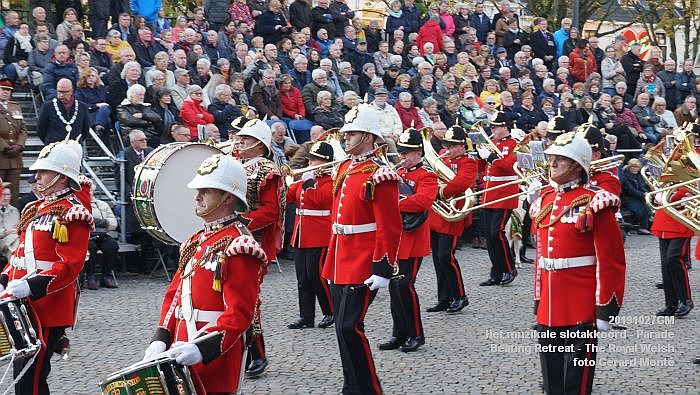 DSC02860- Het muzikale slotakkoord Parade - Beating Retreat ceremony The Royal Welsh - 27okt2019 - foto GerardMontE web