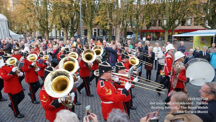 DSC02883- Het muzikale slotakkoord Parade - Beating Retreat ceremony The Royal Welsh - 27okt2019 - foto GerardMontE web