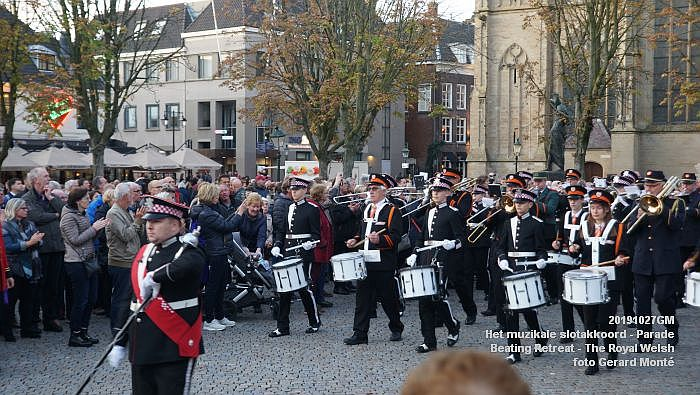 DSC02897- Het muzikale slotakkoord Parade - Beating Retreat ceremony The Royal Welsh - 27okt2019 - foto GerardMontE web
